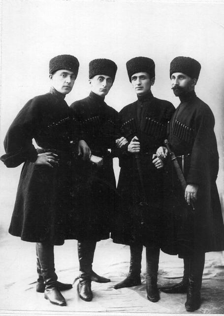 ჩოხოსნები ვ. კოტეტიშვილი, კ. გამსახურდია, პ. ინგოროყვა, ალ. აბაშელი, 1924