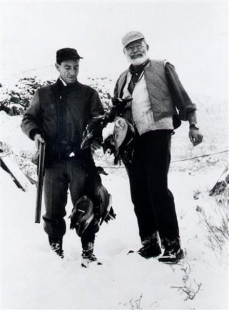 ა. ჰოტჩნერი და ე. ჰემინგუეი, კეტჩუმი, აიდაჰო, 1958 წ.