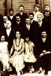 თეთრგიორგელთა ჯგუფი. ცენტრში ლეო კერესელიძე, მიხაკო წერეთელი და სიმონიკო ბერეჟიანი, 1934 წ.