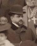 ცნობილი თბილისელი არქიტექტორი ოჰაჯანოვი, არტნოვოს სტილის დიდი მოყვარული. მისი აშენებულია ეროვნული ბანკი და ბოზარჯიანცის სახლი ჭონქაძის ქუჩაზე, გარდაიცვალა 1916 წ.