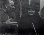 გალაკტიონ ტაბიძე და ვაჟა-ფშაველას მეუღლე თამარი, 1958 წ.