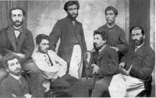 ჟურნალ ცისკრის რედაქცია 1857-1860 წწ. სხედან (მარცხნიდან მარჯვნივ)1. ა. ჩიქოვანი, 2-3.უცნობი პირი 4.გ.რჩეულიშვილი, 5. ლ. არდაზიანი. დგანან ი. კერესელიძე და დ. ჭონქაძე