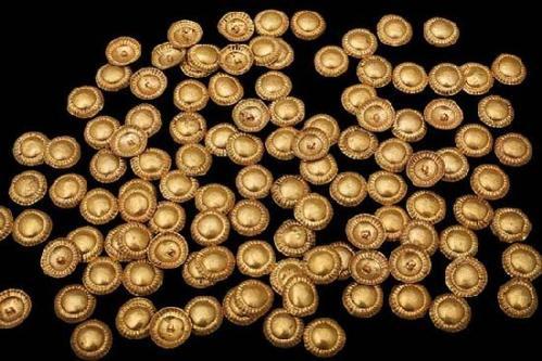 სამოსის მოსაწყობი ოქროს ნაწილები