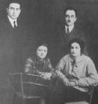 სიმონ ჯანაშია, კონსტანტინე გამსახურდია მეგობრებთან. 1930 წ.