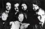 ქართველი მხატვრები პარიზში დავით კაკაბაძე (მარცხნიდან პირველი), ქეთევან მაღალაშვილი (მარცხნიდან მესამე), სხედან ელენე ახვლედიანი (ცენტრში), ლადო გუდიაშვილი (მარცხნიდან მესამე)