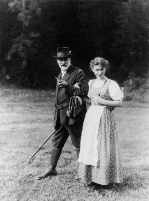 ზიგმუნდ ფროიდი ქალიშვილთან ანა ფროიდთან; Sigmund and Anna Freud on holiday in the Dolomites, Italy, 1913