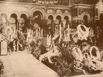კუბო ილიას ცხედრით სიონის ტაძარში