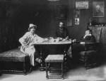 მარჯვნივ დიმიტრი შევარდნაძე. მიუნხენი, 1907-1914