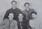 პირველ რიგში გოგი თოთიბაძე, დ. ხახუტაშვილი, კ. მახარაძე, მეორე რიგში ლ. ცუცქირიძე, გ. ოჩიაური, 1952 წ.
