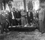 პ. ინგოროყვა (ცენტრში) ნ. ბარათაშვილის დიდუბის პანთეონიდან მთაწმინდის პანთეონში გადასვენების ცერემონიალზე