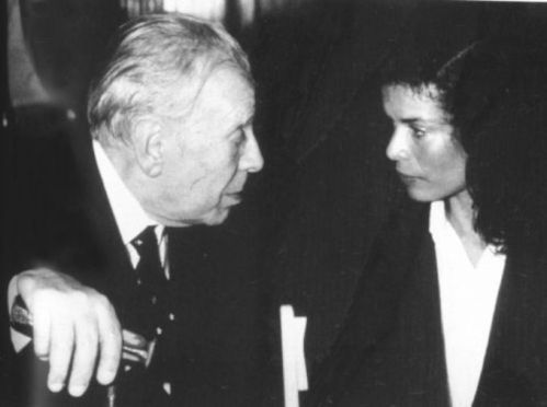 New York, 1983. Jorge Luis Borges talks to Bianca Jagger