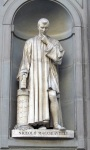 Niccolo Machiavelli Statue at the Uffizi